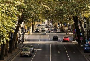 Auto szyba: czy warto wykupić ubezpieczenie szyby w samochodzie?